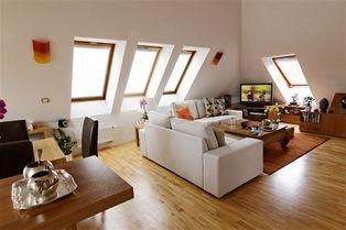Malý podkrovní byt